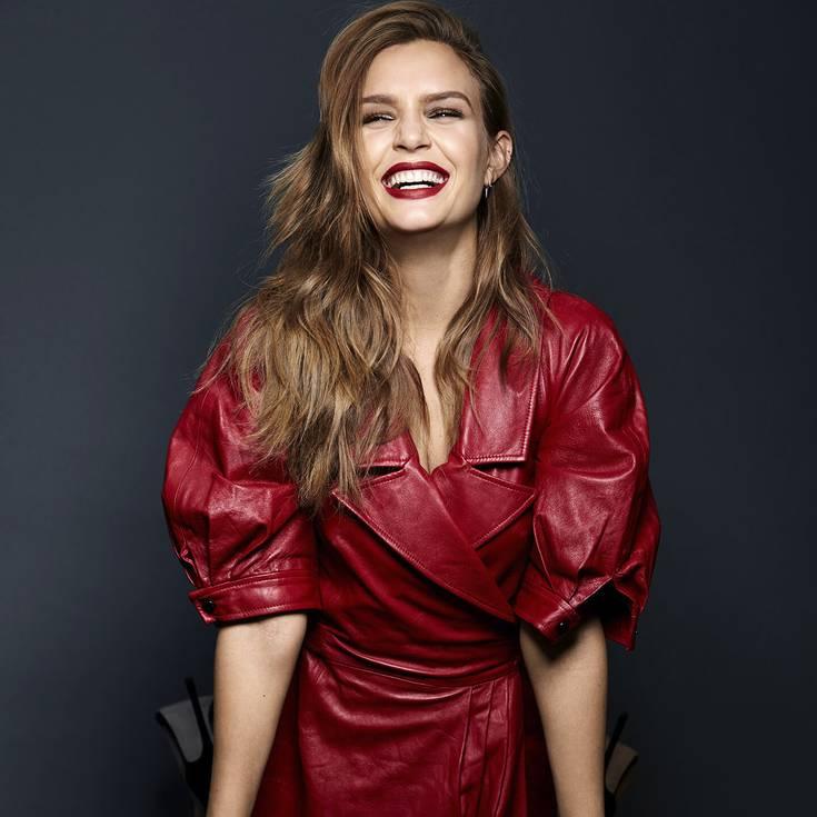 Maquillaje Para Vestido Rojo Cómo Combinarlo Maybelline